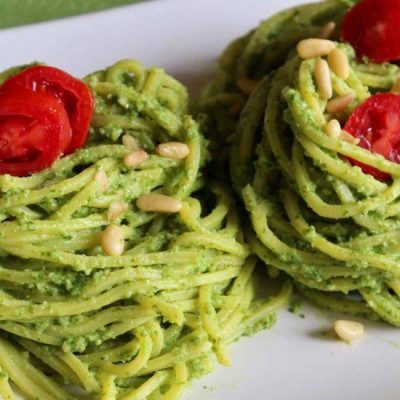 soofoodies creamy avocado and spinach pasta main dish